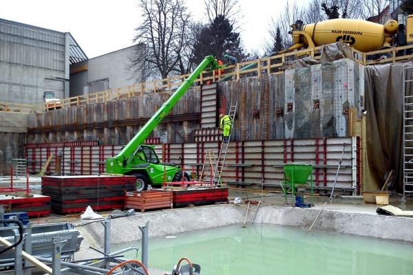 Wykonanie pierwszej otuliny niecki betonowej pod postawienie nowej części muzeum w Hanowerze, Rudolf-Von-Bennigsen-Ufer Str. (Niemcy)