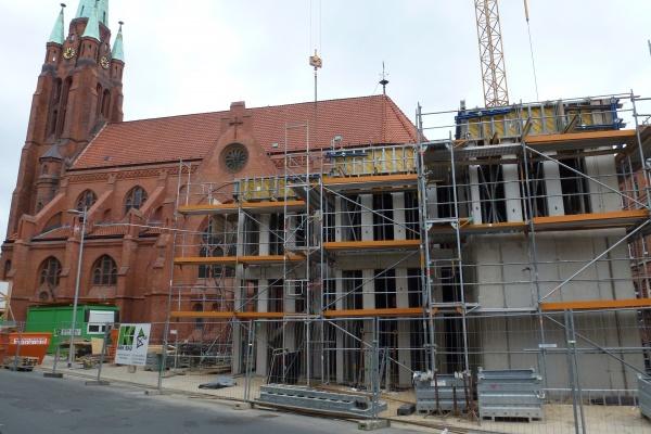 Budowa plebanii Apostelkirche w Hanowerze, Cellerstrasse (Niemcy)