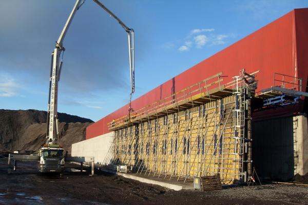 Trzy hale przemysłowe w konstrukcji żelbetowej w Kirunie (Szwecja)